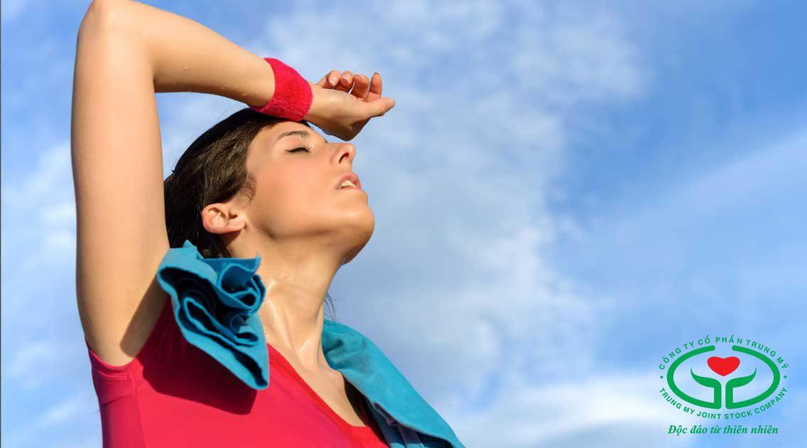 Đổ mồ hôi quá mức có thể gây mệt mỏi, kiệt sức
